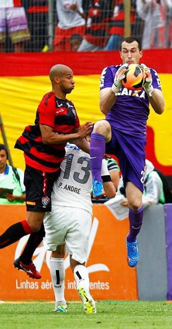 Timão saiu na frente, mas Leão buscou o empate - Foto: Eduardo Martins   Ag. A Tarde