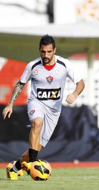 Escudero tem sido o articulador das jogadas ofensivas do time rubro-negro - Foto: Eduardo Martins | Ag. A TARDE