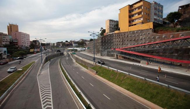 Via expressa promete desafogar o tráfego a partir desta sexta-feira, 1º - Foto: Raul Spinassé | Ag. A TARDE