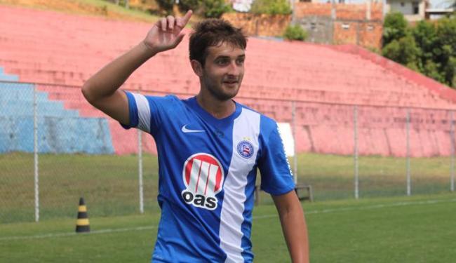 O volante Fabrício Lusa será adaptado na lateral no jogo desde domingo em Porto Alegre - Foto: Edilson Lima/ Ag. A TARDE