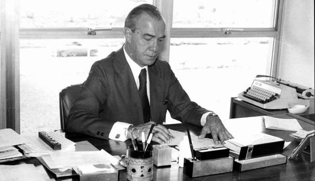 Ex-diretor de A TARDE, Jorge Calmon morreu em 2006 - Foto: Arquivo   Ag. A TARDE