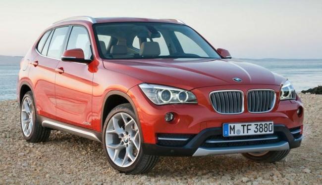 BMW X1 tem três versões: xDrive18i, xDrive20i e xDrive28i - Foto: Divulgação