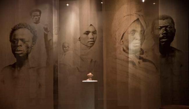 Caixa destaca cerca de dez fotografias e as diversas etnias vindas da África - Foto: Cristiano Jr. | Divulgação
