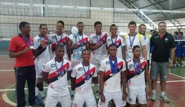 Equipe do Vitória/FSBA posa para foto após conquistar o título - Foto: Site Oficial EC Vitória | Ag. A TARDE