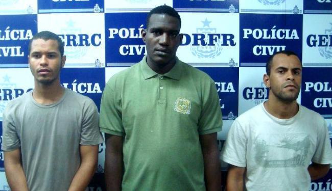Jadielson, Jeferson Tavares e Jeferson da Paixão foram apresentados nesta segunda - Foto: Divulgação | Polícia Civil