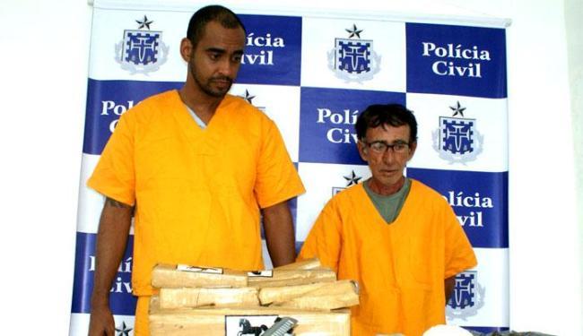 Márcio Costa Querino e o idoso Paulo Melo Souza foram autuados por tráfico - Foto: Divulgação | Policia Civil