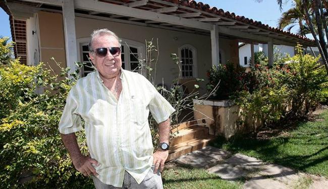 Carlos Roberto vai alugar casa em Vilas do Atlântico - com quatro quartos e área de 700m² - Foto: Mila Cordeiro | Ag. A TARDE