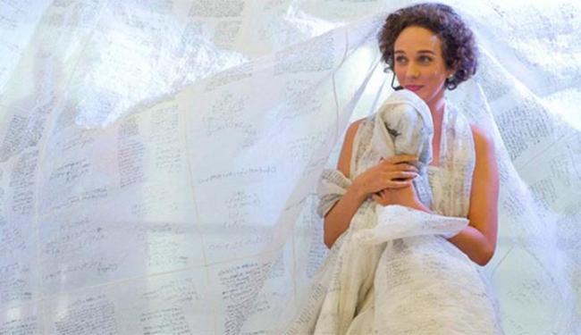 A artista plástica e poetisa é casada com o ator Paulo Beti - Foto: Divulgação