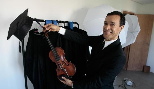 Músico e empresário, Paulo comanda a Orttis Formatura - Foto: Mila Cordeiro | Ag. A TARDE
