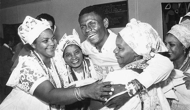 Em 1981, Peri retornou à Bahia com a camisa da Seleção, no amistoso contra a Espanha na Fonte - Foto: Arquivo A TARDE