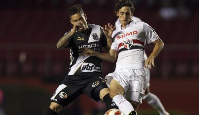 Ponte surpreendeu o atual campeão São Paulo em pleno Morumbi por 3 a 1 - Foto: Paulo Whitaker | Agência Reuters