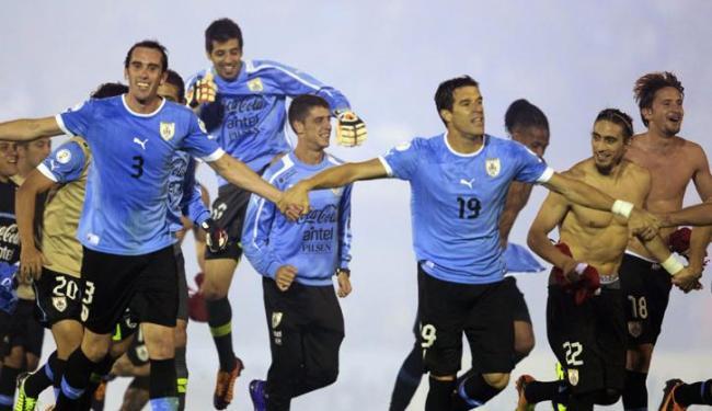 Uruguai completa a lista de 32 participantes do Mundial do ano que vem - Foto: Andres Stapff / Agência Reuters