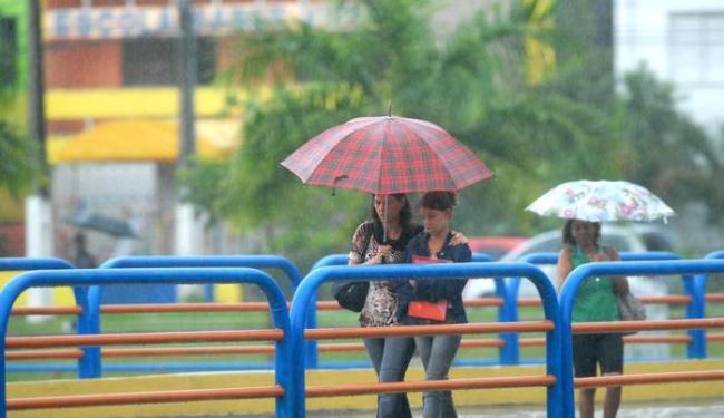 Nas regiões Oeste, São Francisco, Chapada, Sudoeste e Sul, chuvas poderão vir com trovoadas - Foto: Luiz Tito/ag. A Tarde