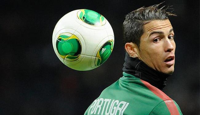 O astro português é um dos favoritos para conquistar Bola de Ouro em 2013 - Foto: Erik Martensson l TT News Agency l Reuters