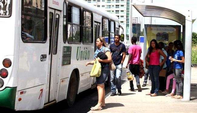 No domingo, linhas do transporte coletivo irão operar com a mesma frota de dias úteis - Foto: Edilson Lima/ Ag. A TARDE