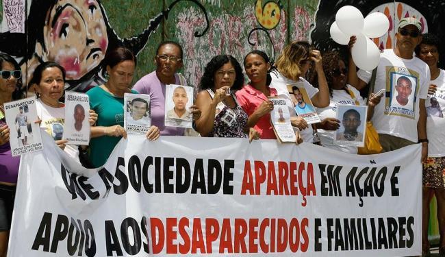 Familiares de pessoas desaparecidas vão à Piedade para participar de quadro de telejornal - Foto: Marco Aurélio Martins | Ag. A TARDE