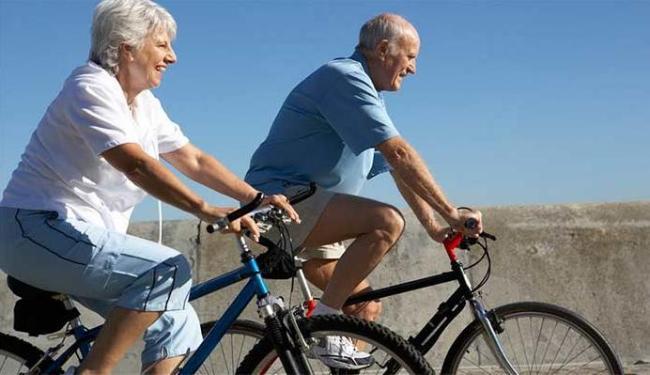 Exercício reduz o risco de doenças cardíacas, diabetes, apoplexias, depressão e alzheimer. - Foto: Reprodução