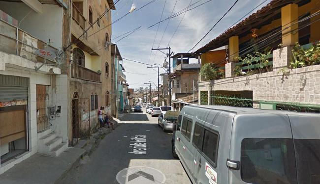 Avenida Hilda, no bairro de Pernambués, onde o crime aconteceu - Foto: Reprodução   Google Street View