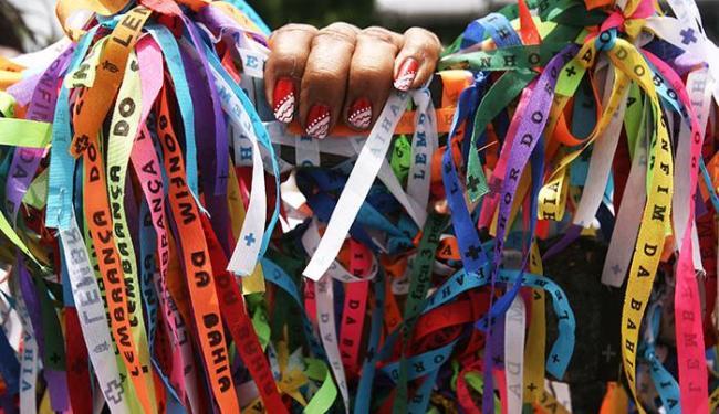 Famoso souvenir baiano voltará a ser produzido em algodão para facilitar a crença - Foto: Raul Spinassé/ Ag. A TARDE