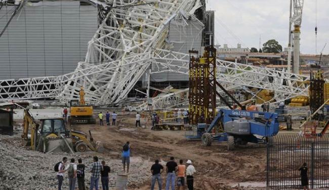 Após acidente no Itaquerão, Fifa pode levar a abertura para uma das arenas já prontas - Foto: Nelson Antoine | Agência AP