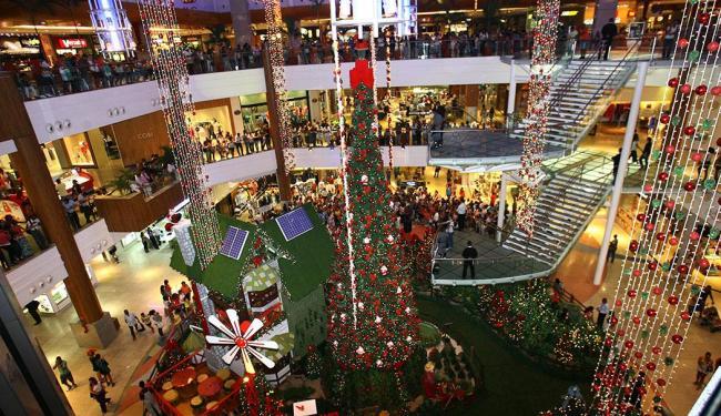 Maiores dos shoppings vão aumentar o horário de funcionamento para atender o cliente - Foto: Margarida Neide | Ag. A TARDE