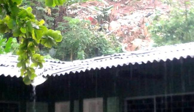Escola ficou cheia de lama e entulhos; ninguém se feriu - Foto: Divulgação | Ilhéus 24h