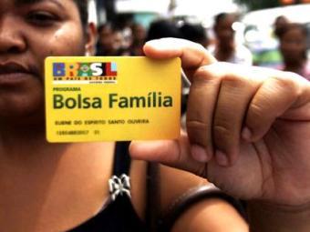 Beneficiários precisam apresentar os documentos de identificação - Foto: Luiz Tito/Ag. A Tarde