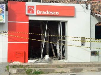Criminosos detonaram agência em Humildes - Foto: Reprodução | Acorda Cidade