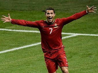 Craque português é o principal candidato ao prêmio de melhor do mundo da Fifa - Foto: Pontus Lundahl l TT News Agency l Reuters
