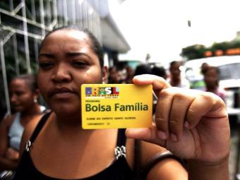 Beneficiários precisam apresentar os documentos do titular e dos dependentes - Foto: Luiz Tito/Ag. A Tarde