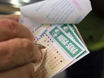 Aposta mínima na Mega-Sena é de R$ 2 - Foto: Joá Souza | Ag. A TARDE