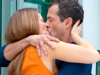 Bruno decide roubar beijo de Paloma - Foto: Reprodução | TV GLOBO