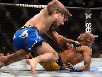 Chris Weidman continua com o cinturão depois da vitória contra Anderson Silva - Foto: Jayne Kamin-Oncea | USA TODAY Sports