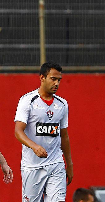 No lugar do suspenso Victor Ramos, Renato Santos formará a dupla de zaga com Kadu - Foto: Eduardo Martins | Ag. A TARDE