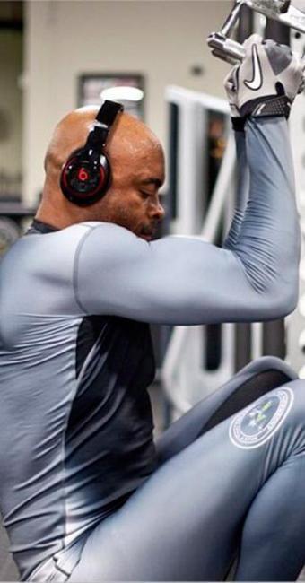 Anderson Silva trabalha duro para recuperar cinturão perdido para Weidmann no mês de julho - Foto: Instagram | Reprodução
