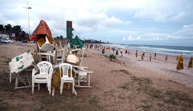 Ação prevê remoção de todas as estruturas instaladas nas praias, além de realizar limpeza urbana - Foto: Lúcio Távora | Ag. A TARDE