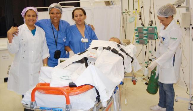 Equipe da emergência do Hospital Regional de Santo Antônio de Jesus, que realiza cerca de 450 cirurg - Foto: Andréa Sued   Ascom HRSAJ