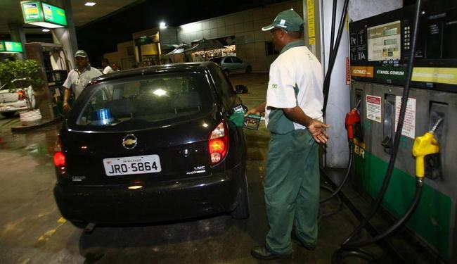 O litro da gasolina ficou até 3,34% mais caro em alguns postos da capital - Foto: Margarida Neide | Ag. A TARDE