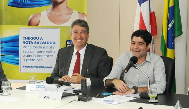 ACM Neto e Mauro Ricardo durante o lançamento oficial do programa Nota Salvador - Foto: Valter Pontes | Agecom