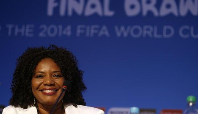 A cantora baiana Margareth Menezes é uma das atrações musicais do sorteio da Copa - Foto: Raul Spinassé / Ag. A TARDE