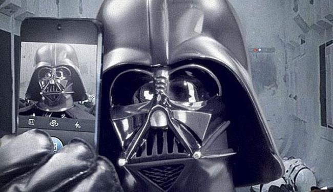 Autorretrato de Darth Vader publicado no Instagram de Star Wars - Foto: Reprodução