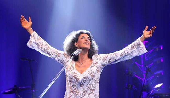 Simone assina a concepção do show, que tem direção de Christiane Torloni - Foto: Vera Donato | Divulgação