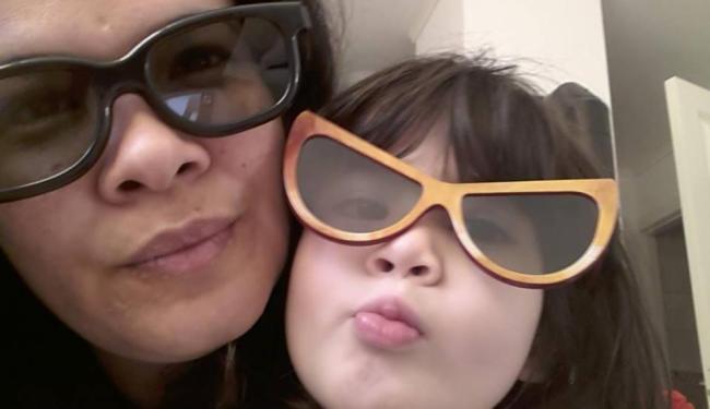 Vitória Alves Jesumary, de 37 anos, e a filha dela Sofia - Foto: Reprodução | Facebook