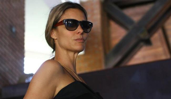 Apresentadora do sorteio da Copa, Fernanda Lima circulou no hotel onde está hospedada em Sauipe - Foto: Fernando Amorim/ AG. A TARDE