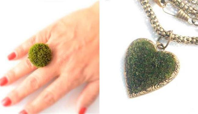 Anéis e colares têm plantas como decoração - Foto: Reprodução