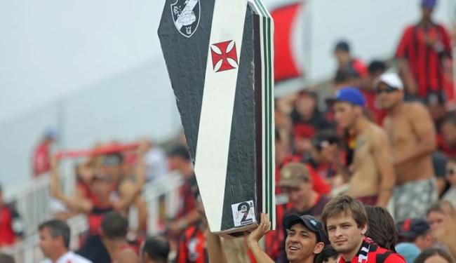 Rebaixado, Vasco entrou com recurso no STJD para ganhar os pontos da partida contra o Atlético-PR - Foto: HEULER ANDREY/ESTADÃO CONTEÚDO
