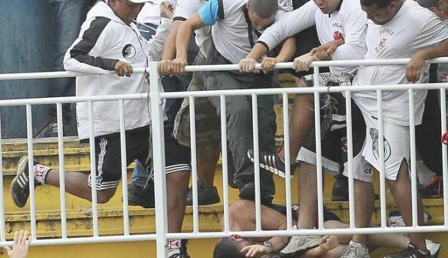 Policiais não estavam dentro do estádio no momento da briga no jogo entre Atlético-PR e Vasco - Foto: Carlos Moraes/Agencia O Dia Agência Reuters