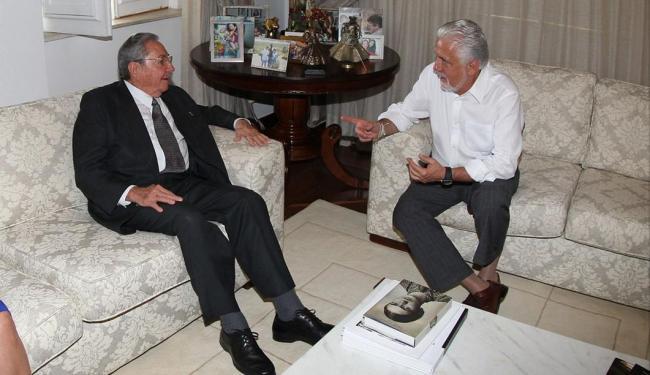Raúl Castro mantém encontro com governador Jaques Wagner - Foto: Manu Dias   Divulgação   Secom Bahia