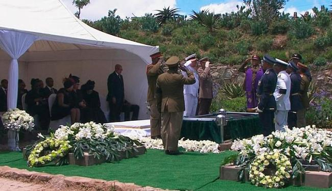 Mandela foi enterrado em cerimônia que reuniu 450 pessoas - Foto: Agência Reuters