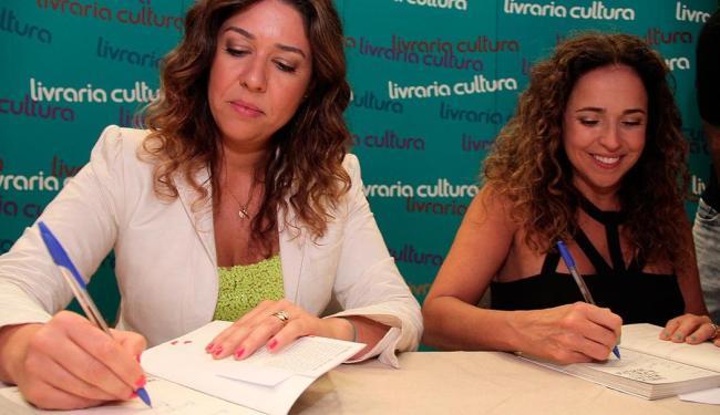 Casal realizou uma noite de autógrafos em Salvador, nesta segunda-feira, 16 - Foto: Joá Souza | Ag. A TARDE